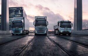 3 din cele 6 modele de camioane electrice marca Volvo
